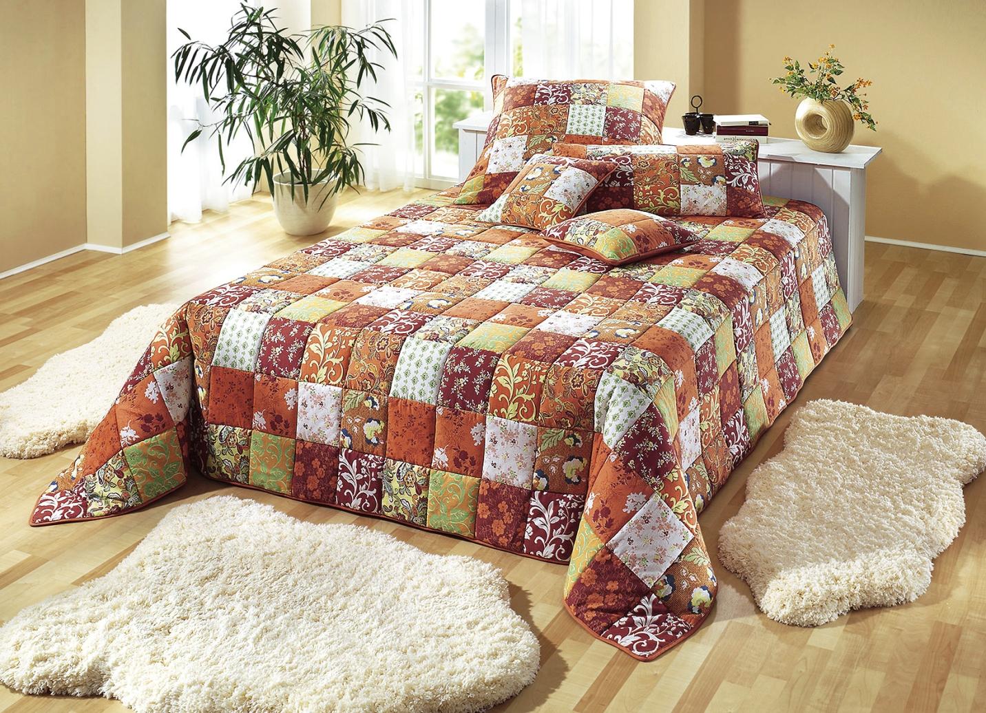 dreams tagesdecke in patchwork optik verschiedene farben tagesdecken bader. Black Bedroom Furniture Sets. Home Design Ideas