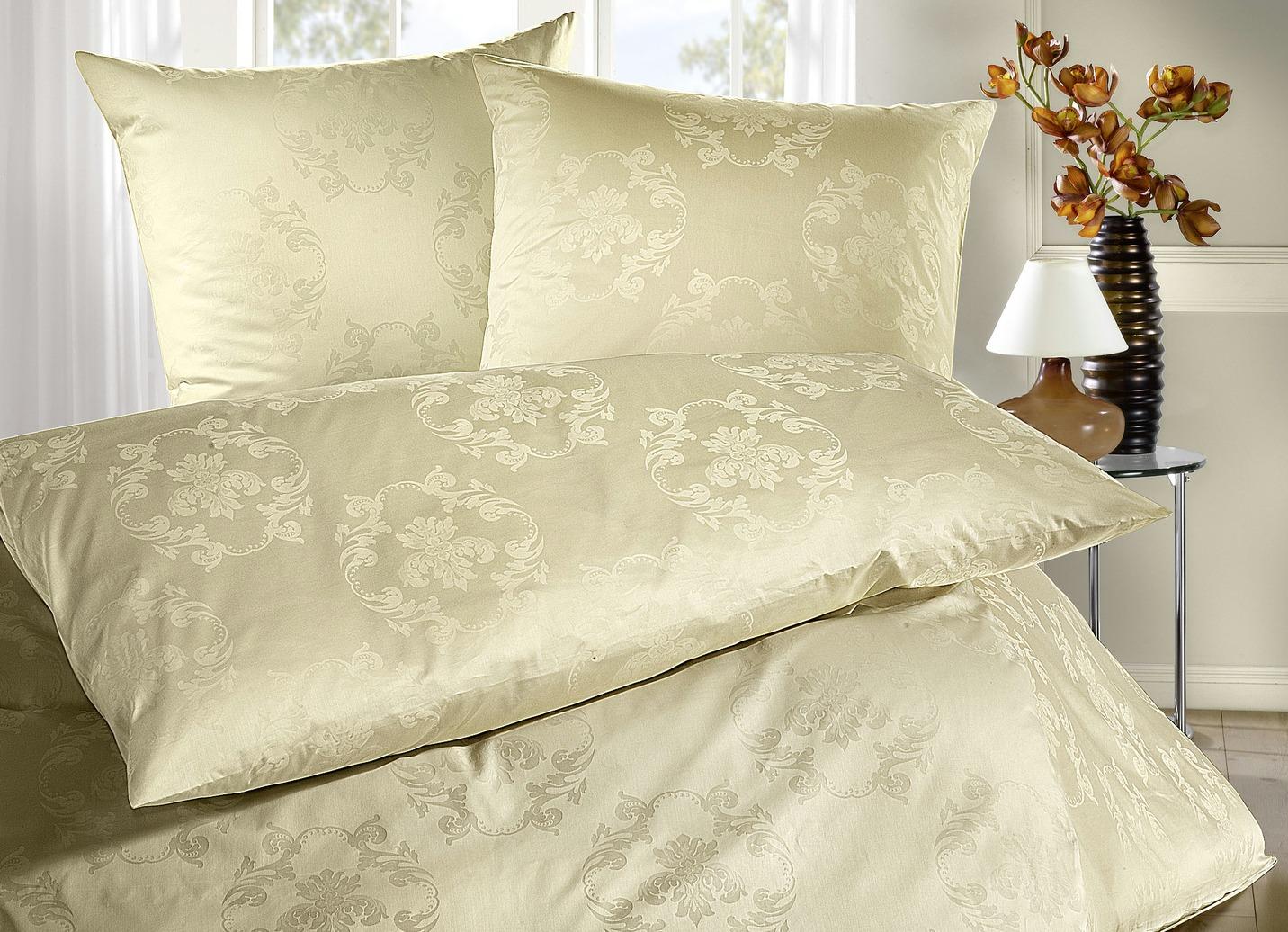bauer bettw sche garnitur in verschiedenen farben. Black Bedroom Furniture Sets. Home Design Ideas