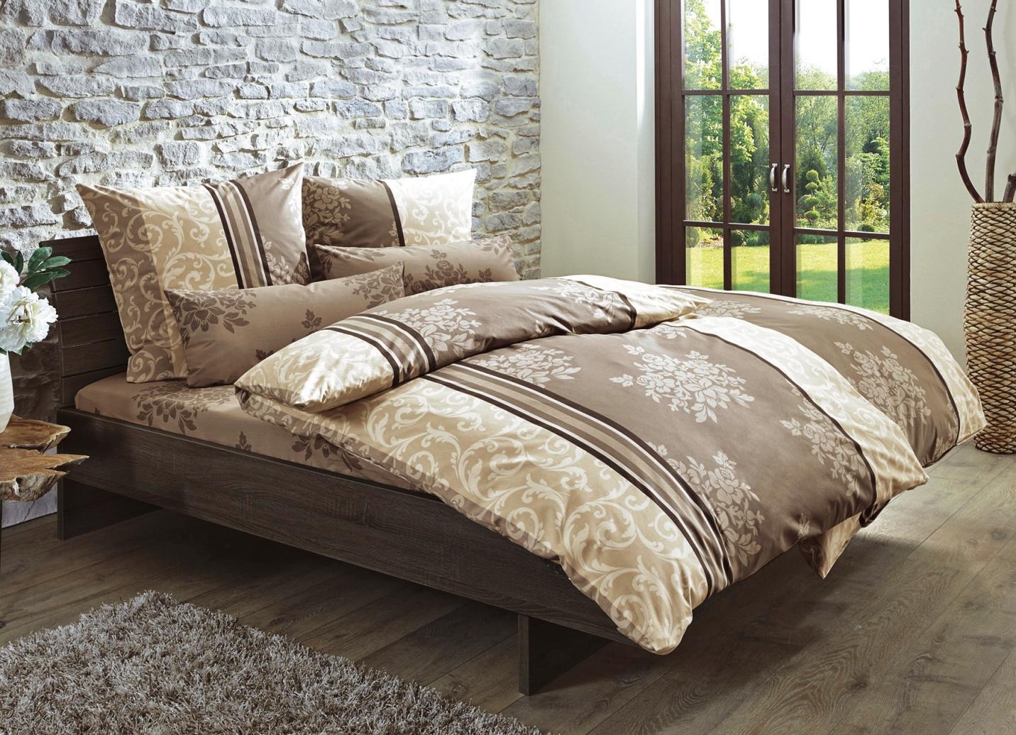 bettw sche garnitur in einen sehr eleganten dessin verschiedene farben bettw sche bader. Black Bedroom Furniture Sets. Home Design Ideas